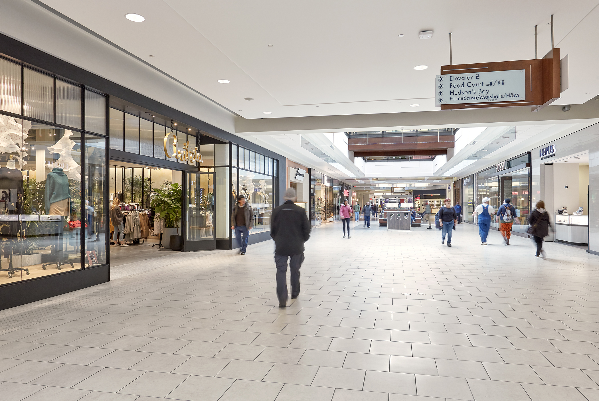 Kingsway Mall hallway - outside Aritzia