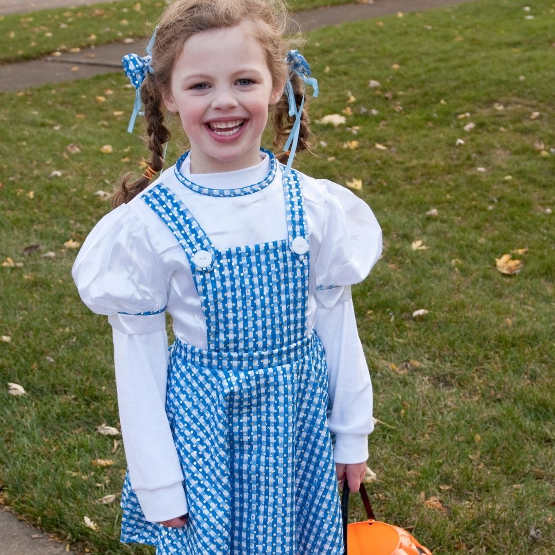 Girl dressed up as Dorothy